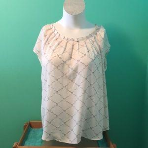 Kohls-LC Lauren Conrad. Bow pattern Blouse. Sz. XL